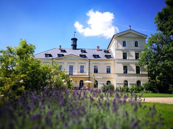 Svatební místo - Chateau Mcely