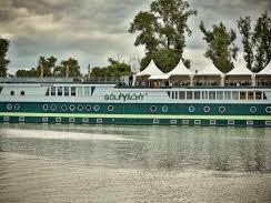 GreenYacht Hotel & Restaurant