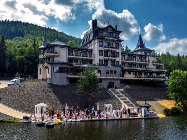 Svatební místo - Luxury Wellness Resort Retro Riverside
