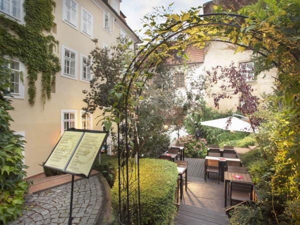 Svatební místo - Santini Garden