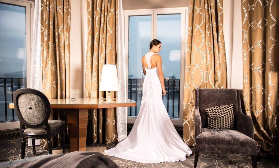 Svatebni Saty Jako Princezna Nebo Jednoducha Elegance Marriage