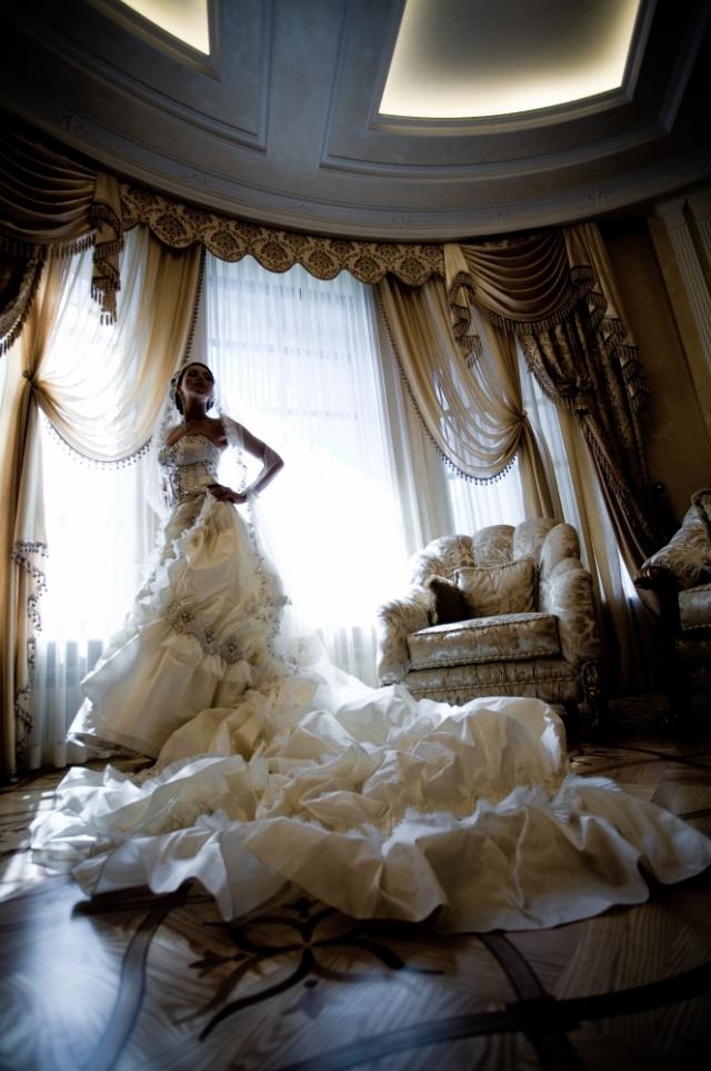 Svatební šaty s vlečkou – ano nebo ne?