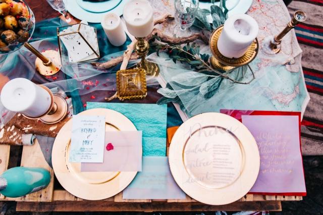 Modrá výzdoba nebo svatební tabule