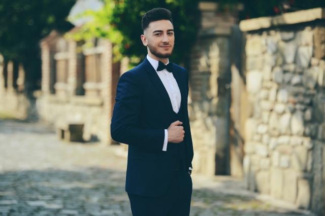 K dobře oblečenému muži patří padnoucí oblek