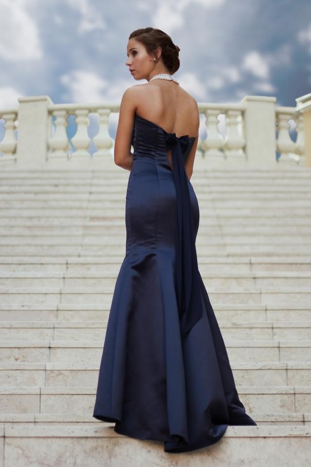 Black Tie si žádá dlouhé šaty