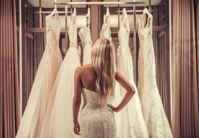 Volbu svatebních šatů nepodceňujte