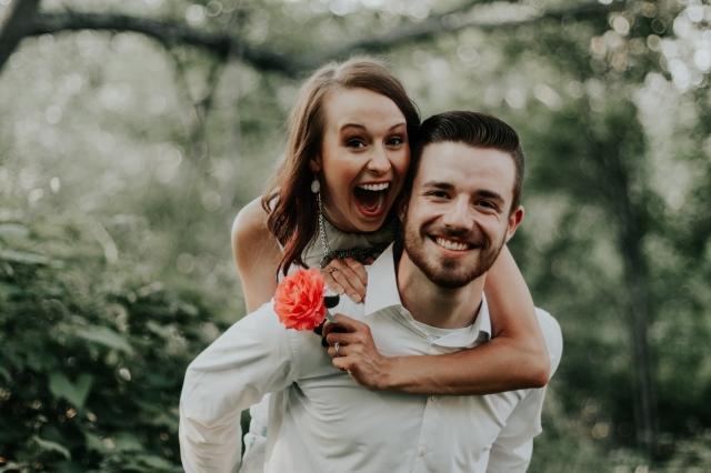 Nabité emocemi, ale bez kýče. Tipy na portrétní svatební fotky, které nezůstanou v šuplíku