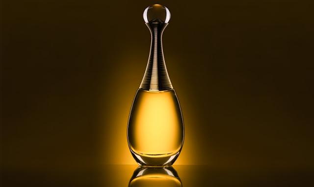 Voňavý klenot v nezaměnitelném flakonku J´adore od Christiana Diora
