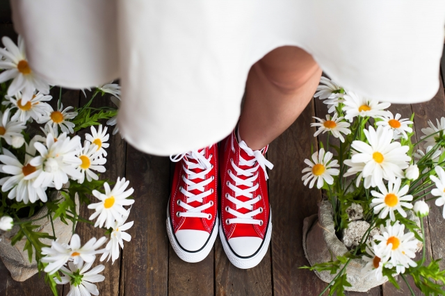 Conversky místo klasické svatební obuvi? V dnešní době nic výjimečného.