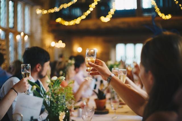 Nejvýznamnější výročí svatby: Od bavlnky ke klenotům