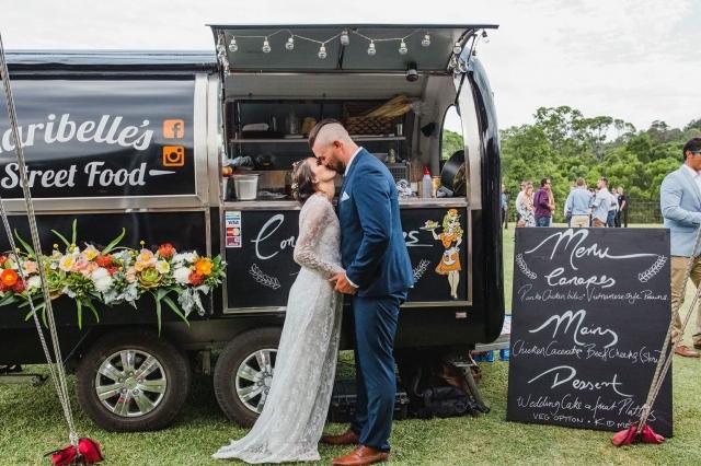 Food truck na svatbě? Stále oblíbenější řešení.