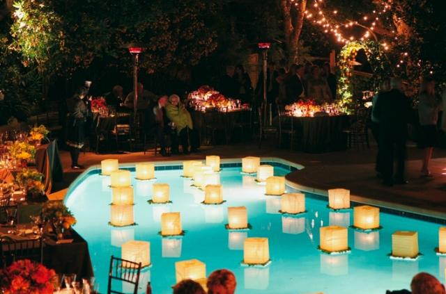Svatební lampiony štěstí: Jejich pouštění není bez rizik