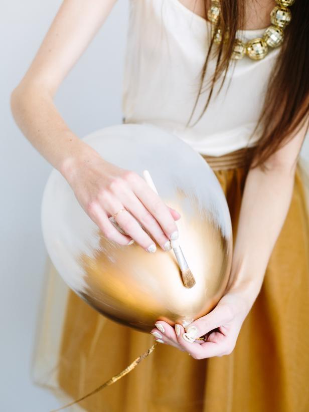 Nabarvené balonky jsou jednoduché, nápadité a decentní