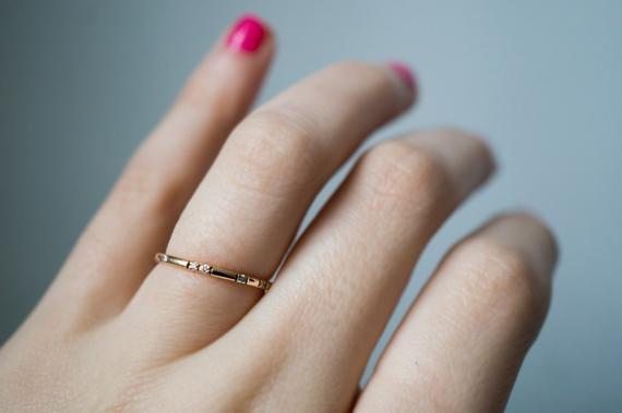 Personalizované snubní prsteny: S otiskem prstů i polohou planet