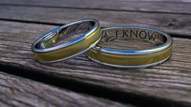 Doplňující se vzkazy na prstenech jsou trefou do černého