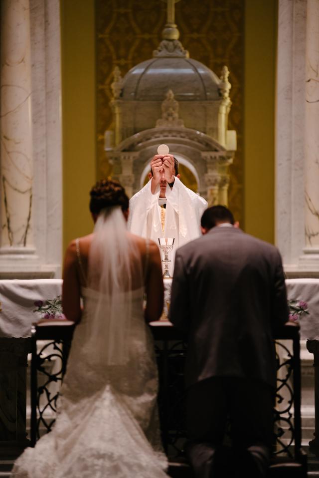Kostel není holubník, proklepne vás kněz i hostitelské rodiny