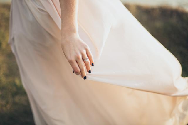 Zásnubní a snubní prsten: Jak je nosit po svatbě