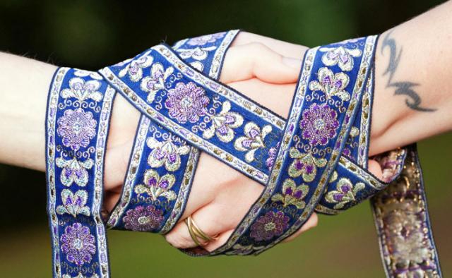 Znáte handfasting? Keltský rituál dobývá Česko