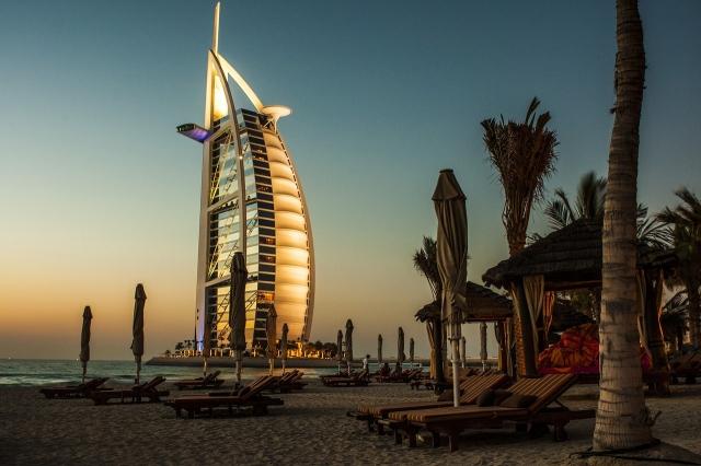 Svatba s hlavou v dubajských oblacích
