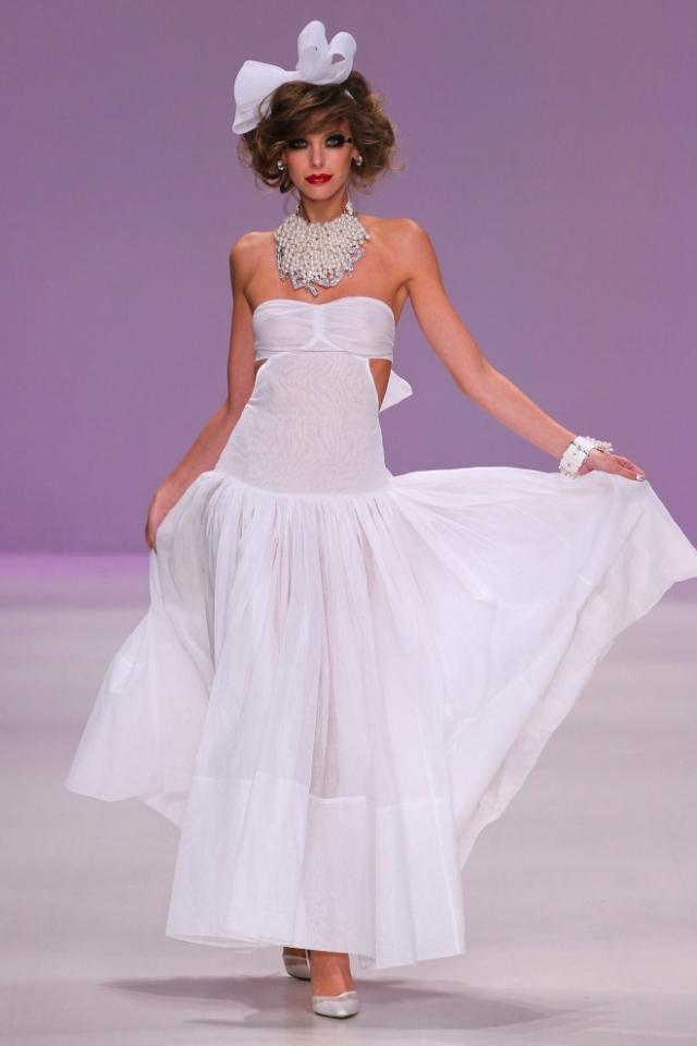 Trochu jiné svatební šaty