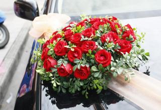 Svatební dekorace na auto: S touto výzdobou kolonu nepřehlédnete