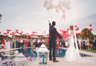 Balonky na svatbu? Rozhodně skvělý nápad!