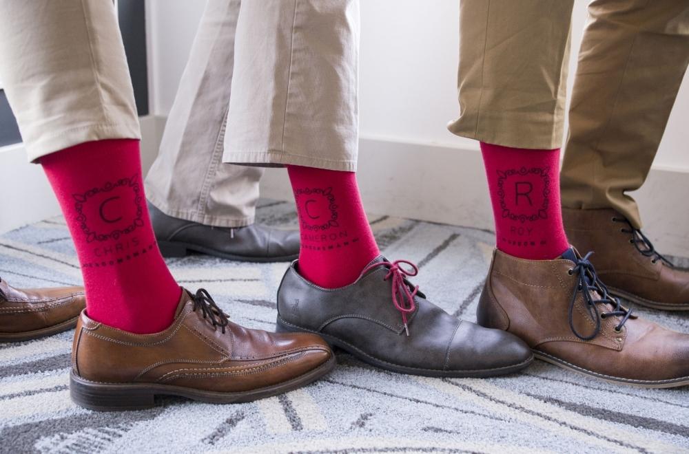Barevné ponožky na svatbu  Stylové zpestření  c5a6d77ee7