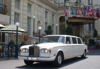 Exkluzivní vůz na svatbu? Jedině Rolls-Royce!
