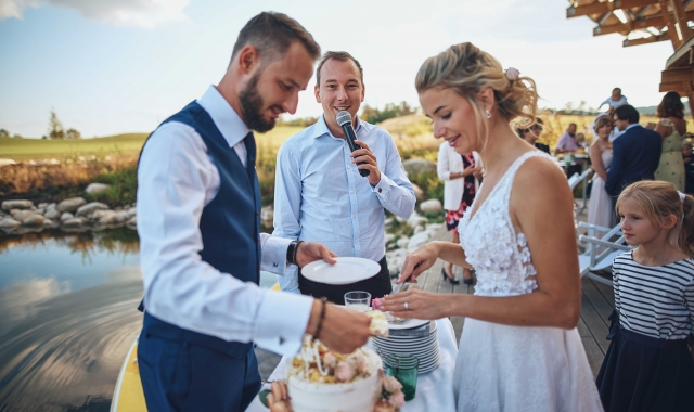Jak vybrat toho pravého moderátora a DJe na svatbu?