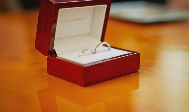 Jak vybrat vhodné snubní prstýnky