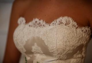Korzetové svatební šaty – budou vám slušet?