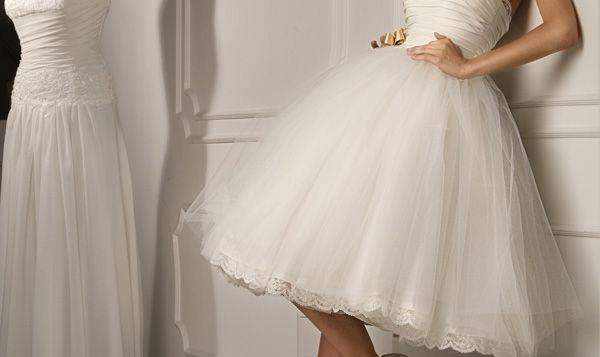 Krátké svatební šaty - výhody a nevýhody