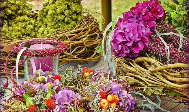 Květinová výzdoba je nezbytností na každé svatbě