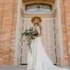 Originální, šarmantní a málo k vidění: S kloboukem na svatbu!