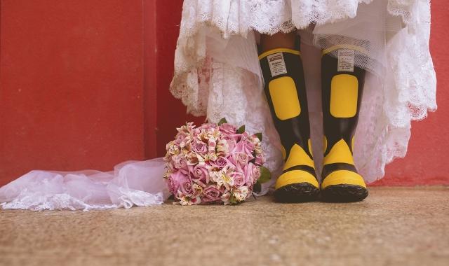 Prší nám štěstí! Svatba v dešti nemusí být katastrofa