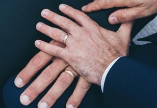Registrované partnerství v Česku aneb svatby gayů a lesbiček