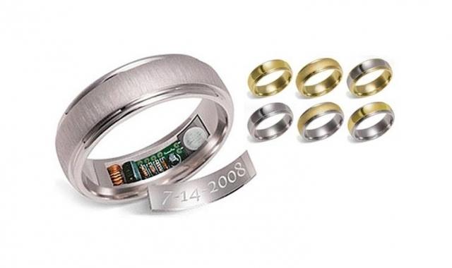 Snubní prsten s pamětí