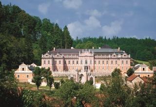 """Svatba na zámku Nové Hrady – v """"české Versailles"""""""