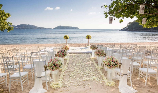 Svatby na pláži se stávají čím dál populárnější!