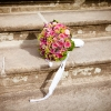 Svatební květinová výzdoba: rustikální, nebo klasika?
