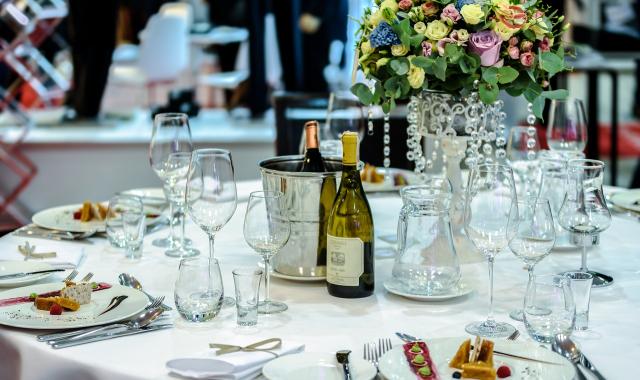 Svatební raut namísto servírovaného menu