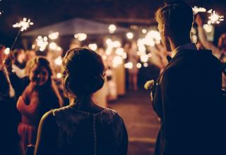 Svatební světýlka, lucerny, svíčky a LED řetězy