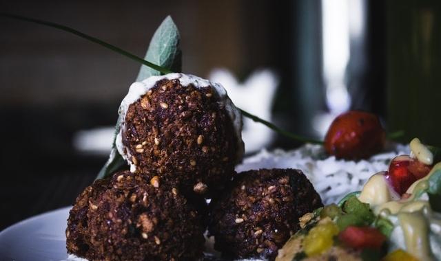 Tipy, jak sestavit a domluvit veganské svatební menu