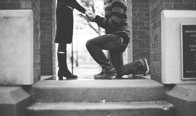 Zásnuby: Manuál pro muže